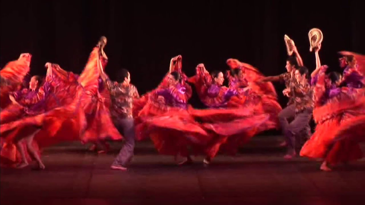 Maestra Monica Mercado (Danza folclórica)