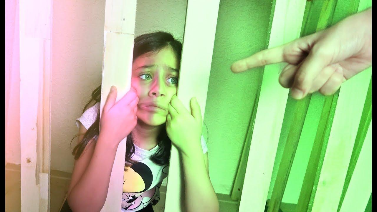 الشرطي دخل ميرا السجن !!!