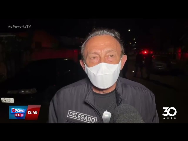 Rapaz é moto a tiros dentro de casa por dois homens de moto - O Povo na TV