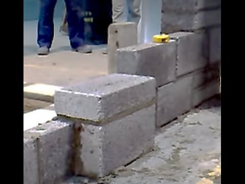 Blockwork piers intermediate video 7 of 8 youtube for Building a house on concrete piers