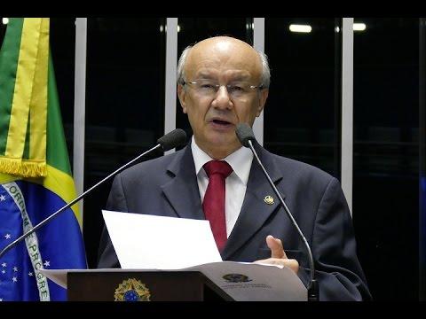 José Pimentel critica anúncio de redução de postos de atendimento e de agências do Banco do Brasil