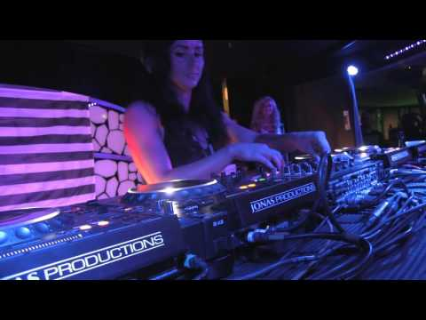 HANNAH WANTS - UNEXPECTED SHIPFAM TURNUP @ HOLY SHIP JAN 2016 - DAY 1 - 11.3.2016