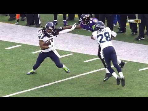 Richard Sherman Gets Tackled By His Hair After Interception
