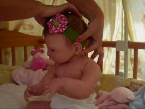 2883fa9be Video de Muñecas bebé reales muñecos reborn Valeria - YouTube