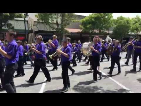 Petaluma Junior High School Band in Petaluma's 2014 Butter & Eggs Day Parade
