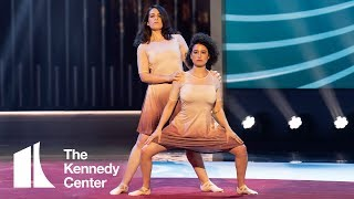 Broad City's Abbi & Ilana - Elaine Dance Tribute for Julia Louis-Dreyfus | 2018 Mark Twain Prize