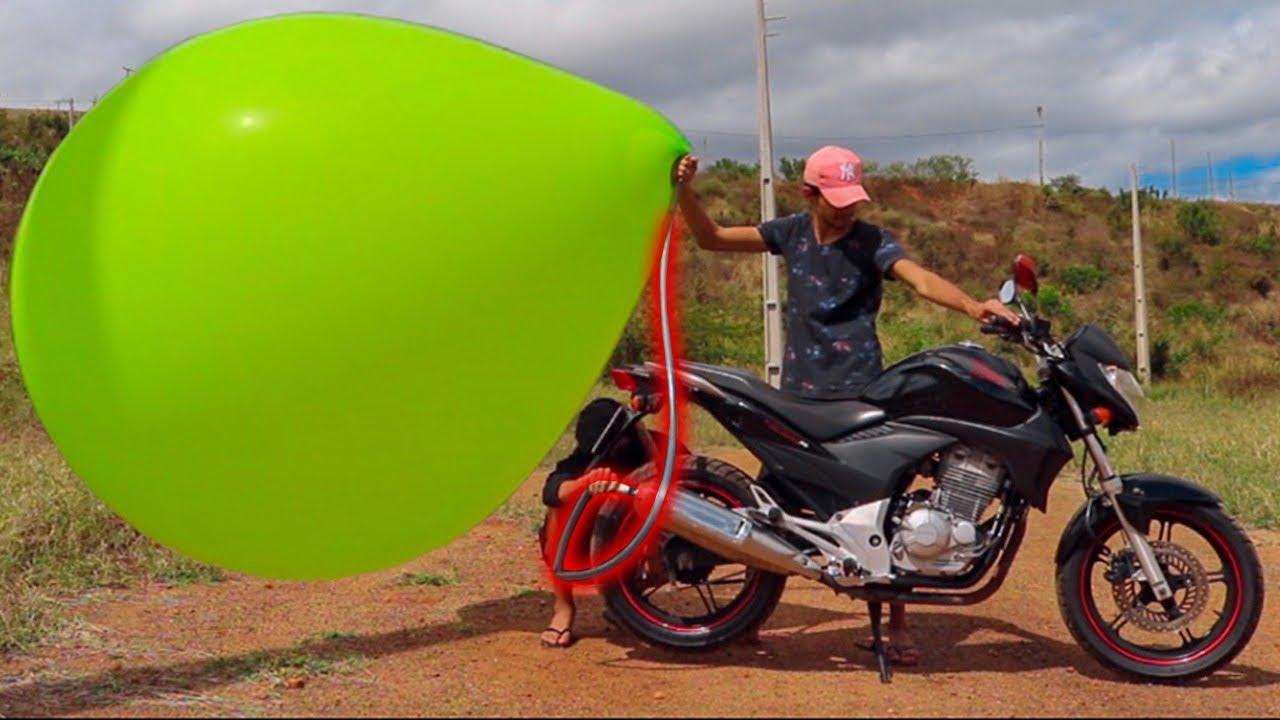 ENCHI UM BALÃO GIGANTE NO ESCAPE DA MOTO NA QUARENTENA