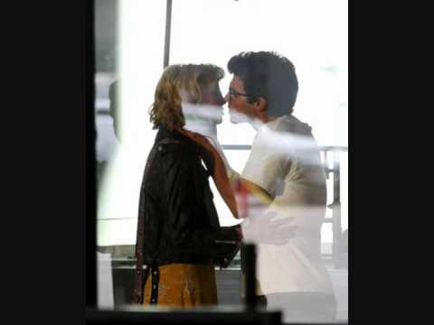 Chelsea Staub And Joe Jonas Kissing Joe Jonas And C...