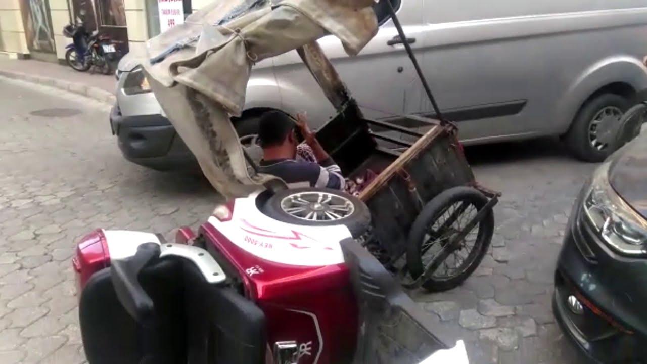Ödemiş'te bir elektrikli bisiklet daha kazaya karıştı
