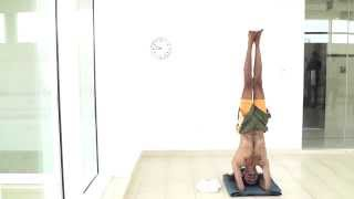 World's longest headstand at 61 minutes by Ivan Stanley