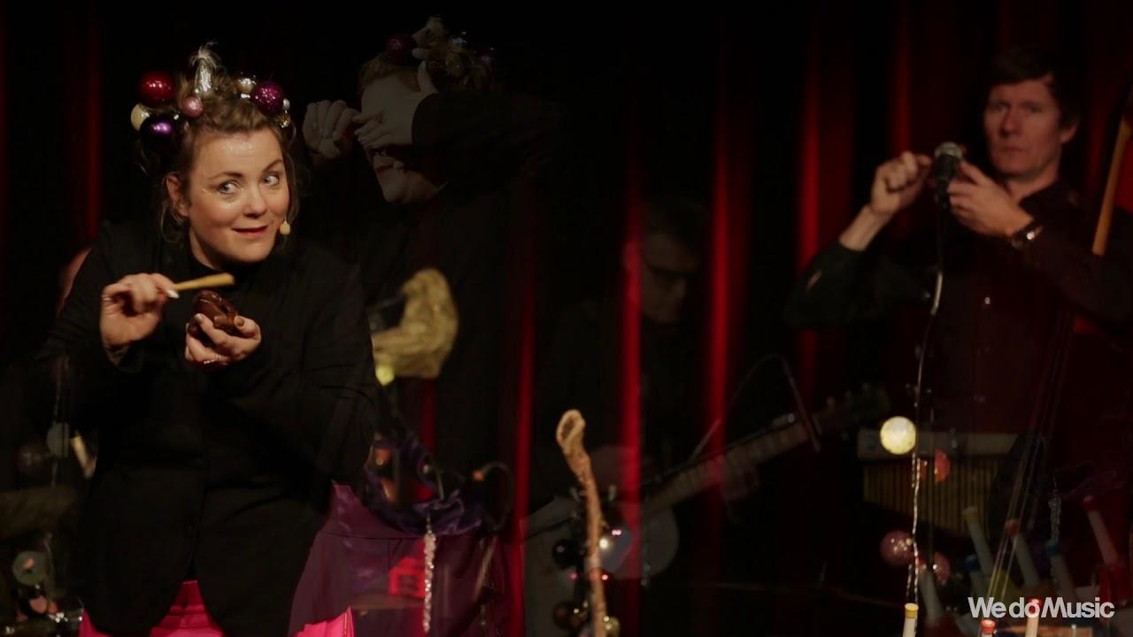 Stine Michel og Eventyrorkestret - Nu' Det Jul