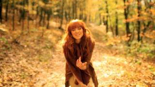 Nina Pušlar - Odhajam z vetrom (OFFICIAL VIDEO)
