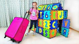 Nastya finge jugar con playhouse tienda juguetes
