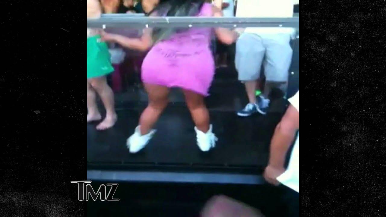 Snooki 39 s vegas pool dance tmz youtube for Pool dance show
