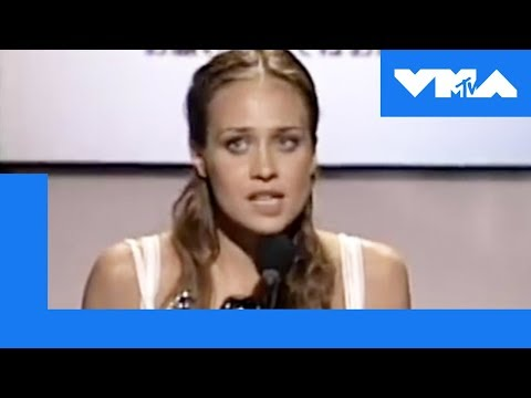 Fiona Apple's Acceptance Speech at the 1997 Video Music Awards | MTV