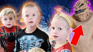 Super Halloween 2018 Party Special! | Ellie And Jared