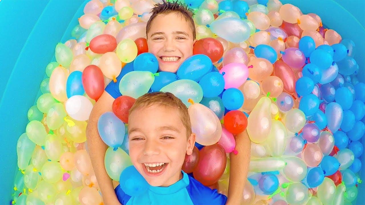 on remplit une piscine avec 1500 bombes eau zuru bunch o balloons pool 1 2 youtube. Black Bedroom Furniture Sets. Home Design Ideas