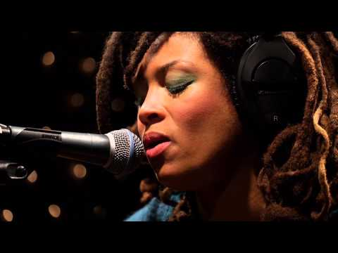 Valerie June - If You Love And Let Go (Live on KEXP)