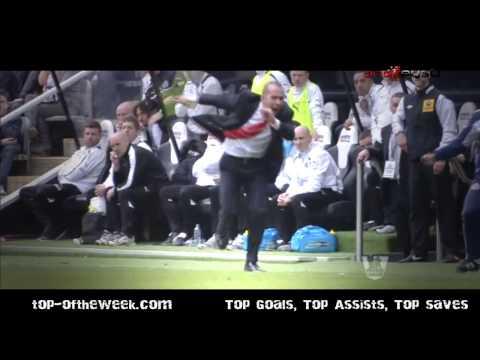 Celebration of Paolo Di Canio Newcastle - Sunderland 0-3 - goal-best.com
