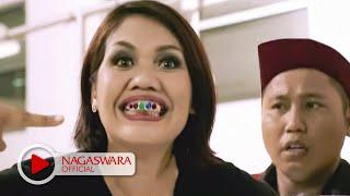 Download Wali Band - Antara Aku, Kau dan Batu Akikku - Official Music Video - NAGASWARA