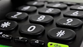 Produktvideo zu Großtasten-Telefon Doro PhoneEasy 312cs