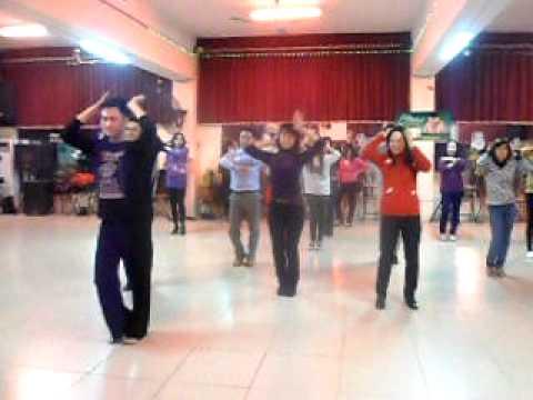 Học khiêu vũ điệu Macarena tại IDC club 63 Nhân Hòa 3, 5, CN hàng tuần
