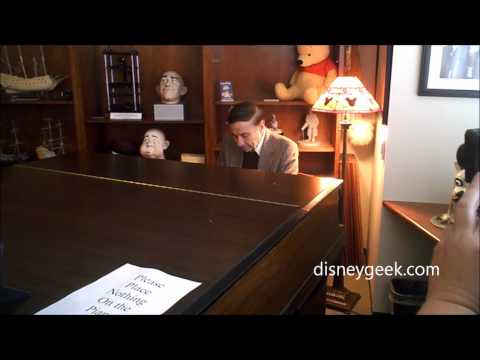D23 Event: Richard Sherman playing Walt's Piano