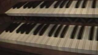 Bach BWV565 Toccata & Fugue in D minor; Reed Organ!
