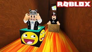 Kim Daha Hızlı? Kutu ile Kaydık!! - Panda ile Roblox SLIDE 9999999 MILES IN A BOX
