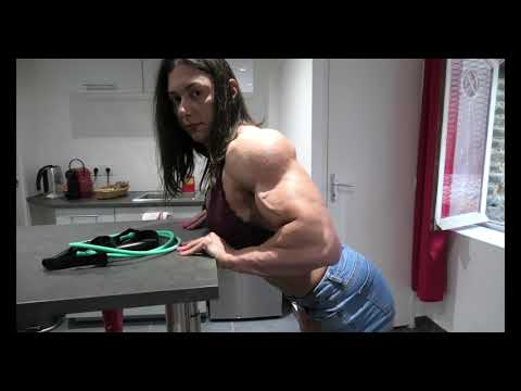 Anne Lorraine Mohn 2020 Jeans shorts part 1