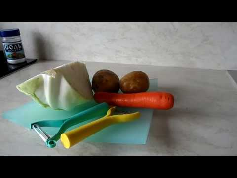 Универсальный нож Tupperware для чистки и нарезки овощей.