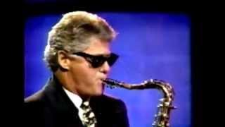 BILL CLINTON PLAYS M83