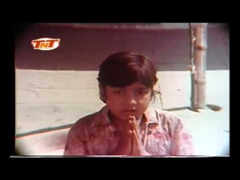 Master Ravi Valecha in Ganga Kinare Mora Gaon   trimmed5