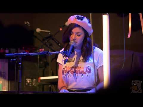 Marina And The Diamonds - Happy (live @ Rough Trade 3/23/15)