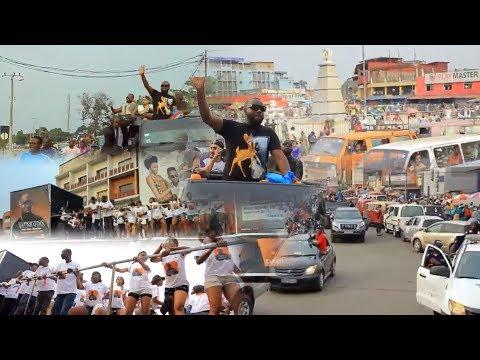 Carnaval de MAÎTRE GIMS, Accueilli Comme un Roi Au Congo/Kinshasa Plein à mort (Noly Tambu Le Sage)