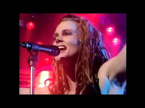 Belinda Carlisle - Leave A Light On (TOTP '89) HD