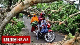Amphan: Cyclone lashes India and Bangladesh - BBC News