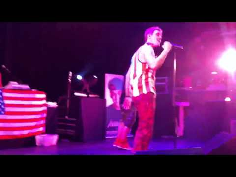 Aaron Carter performing BOUNCE/I Would/Iko Iko/ To All The mp3