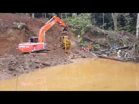 Gold mining in PNG. Gold watch project