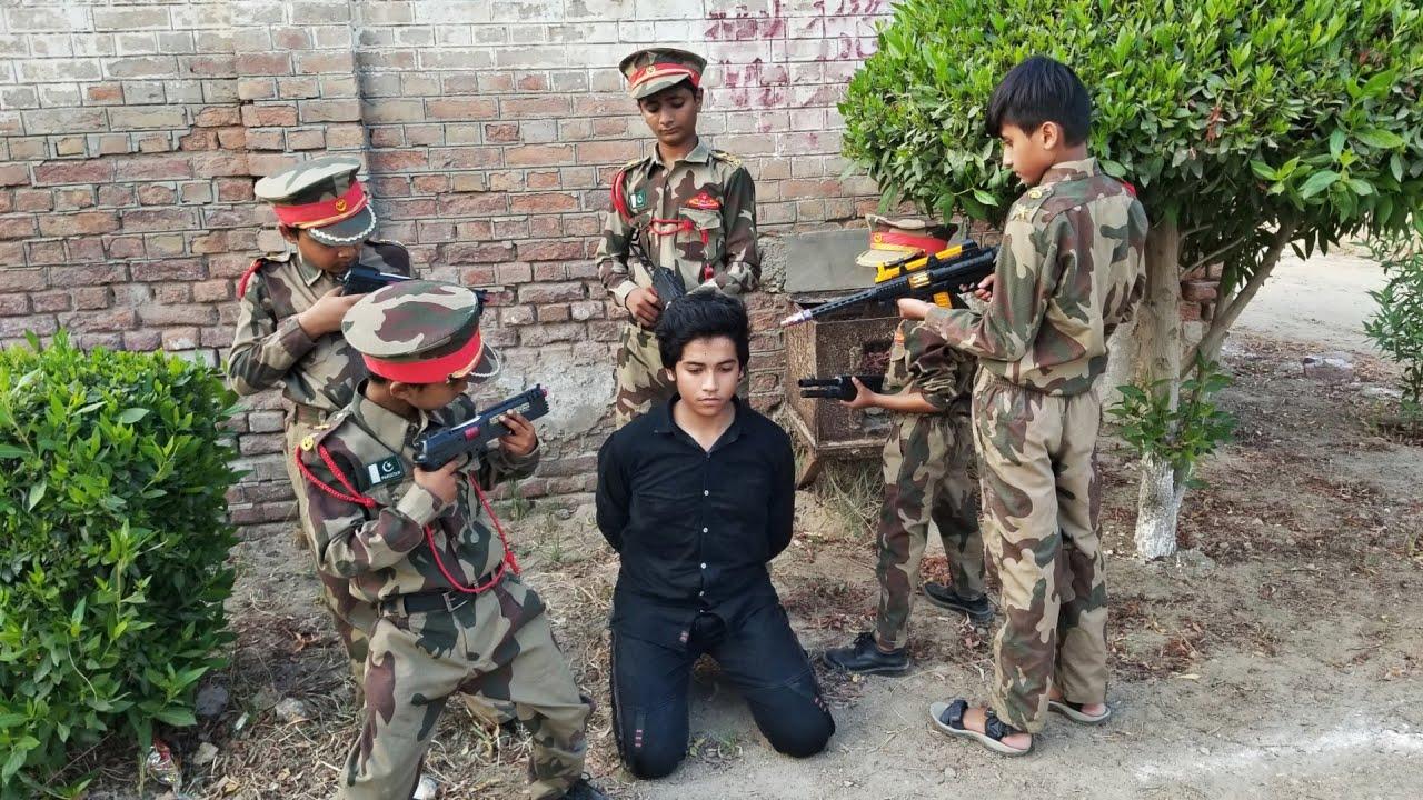 Pak Army arrested most Dangerous Enemy    Pak Army Training    Fauji Ki Training