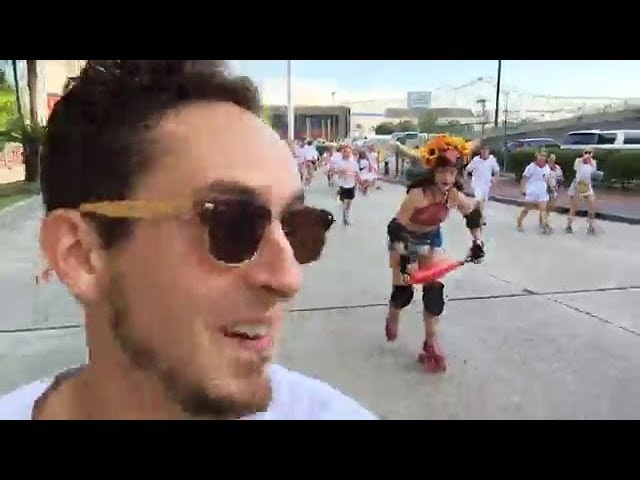 journalist-runs-with-the-bulls-in-new-orleans