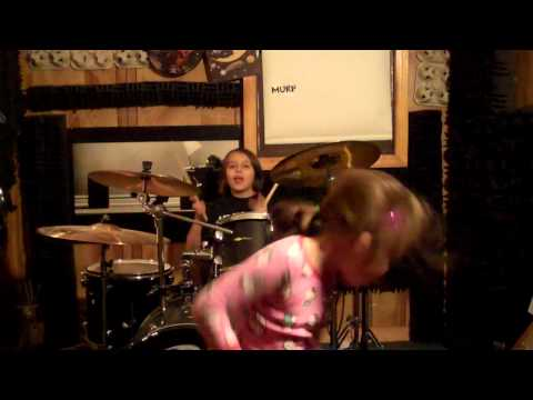 Aaralyn and Izzy (Murp)- Sweet Dreams (Eurythmics Cover)