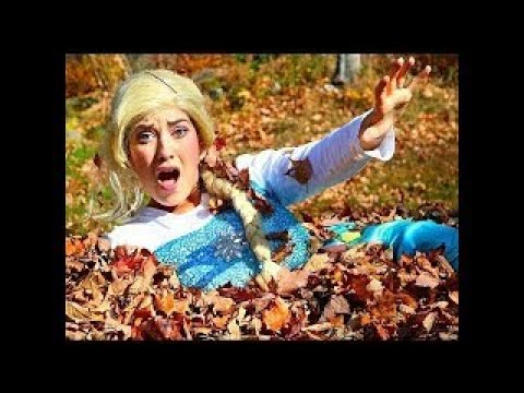 Frozen Elsa & Spiderman Find a TREASURE! w/ Joker Spidergirl Toys! Superhero Fun in real l