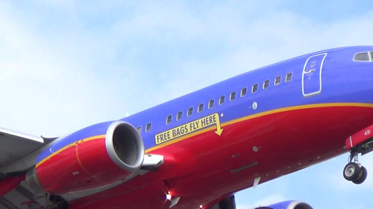 Free Bags Fly Here Southwest Boeing 737 700 Landing Newark Liberty International Airport