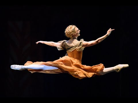 Zenaida Yanowsky and Darcey Bussell on life at the Royal Opera House