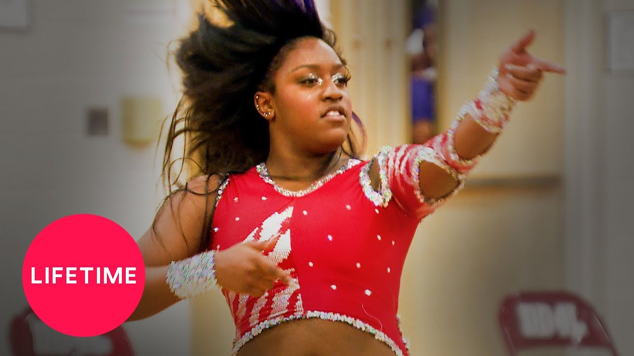 Download Bring It!: The Tigerettes STEAL The Dolls' Moves! (Season 2 Flashback)   Lifetime