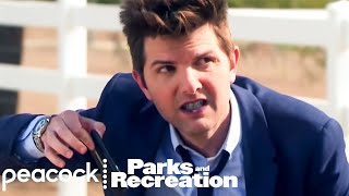 ben-tries-blue-wine-hold-that-thought-parks-and-recreation