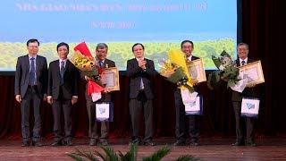 Khen thưởng nhiều cá nhân, tập thể tại Đại học Quốc gia TP Hồ Chí Minh