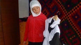 Учителя волнуются - школьниц в хиджабах становится больше.