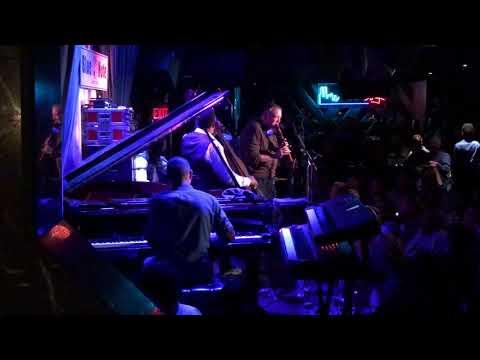 Joel Levine Sitting in w/ The Stanley Clarke Quartet